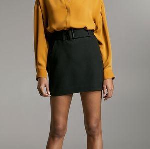 ARITZIA BABATON Black Mini Skirt with Belt (sz 2)